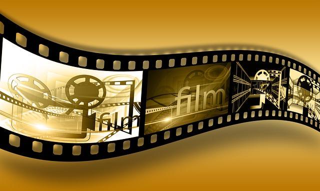 Rolka filmowa z napisem