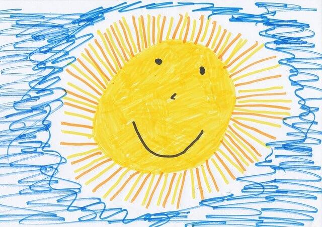 Słońce na rysunku wykonanym przez dziecko