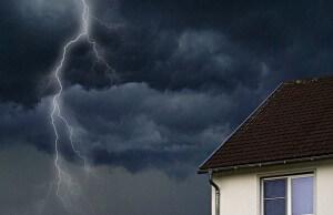 jak ochronić dom przed burzą