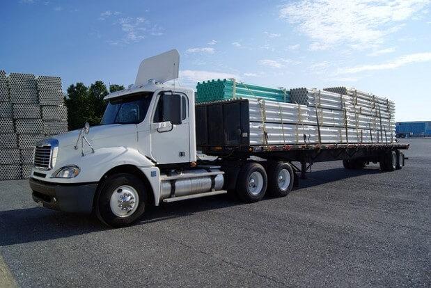 ciężarówka transportowa