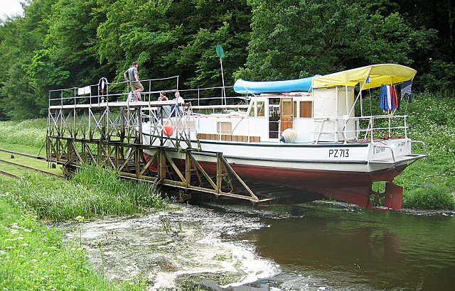 Statek na Kanale Elbląskim