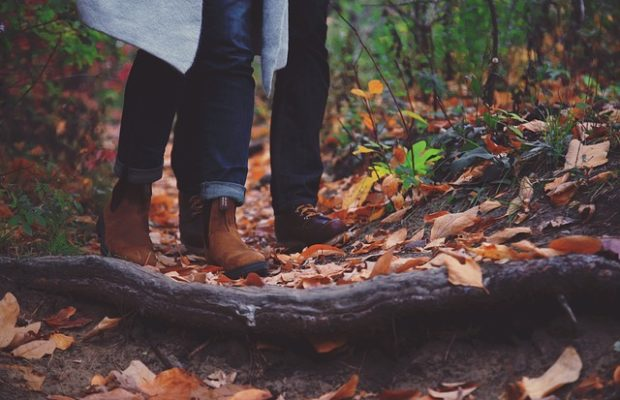 Sneakersy, botki czy sztyblety – jakie buty na jesień