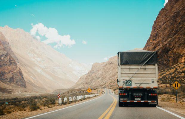 pojazd transportujący załadunek